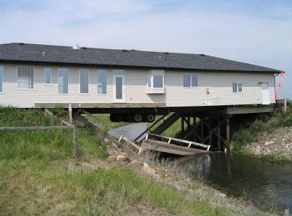 house_truck_bridge_01